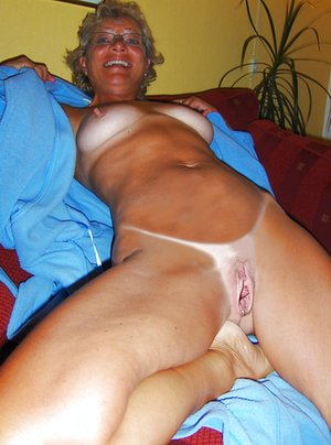 Asian Mature Pussy Porn